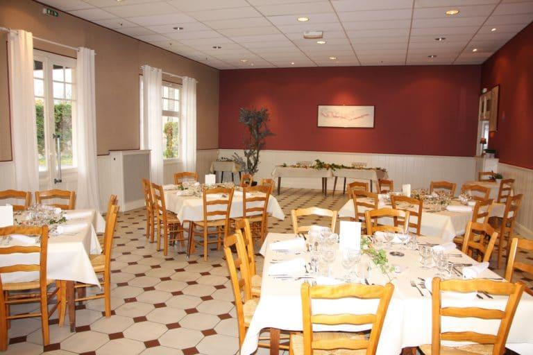 Aux Vendanges de Bourgogne Hotel Restaurant Paray le Monial Saone et Loire salle de réception (3)
