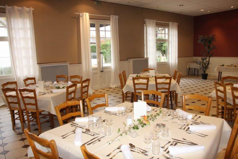Aux Vendanges de Bourgogne Hotel Restaurant Paray le Monial Saone et Loire salle de réception (4)